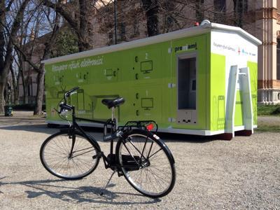 eWaste, a Milano arriva il container itinerante