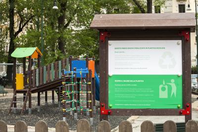 A Milano la nuova area giochi in plastica riciclata