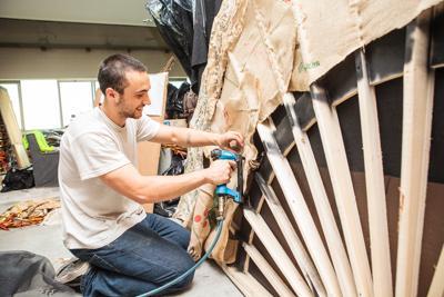 Un Barbiere di Siviglia 'green', scenografie e costumi da riciclo