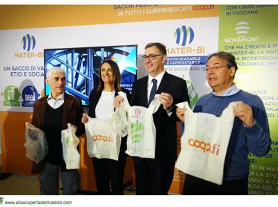 Dall'ortofrutta alla pescheria, Unicoop Firenze punta sui sacchi biodegradabili