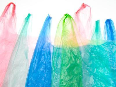 Maxi operazione in tutta Italia, la Gdf sequestra 2 mln di shopper illegali
