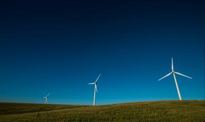 L'eolico combatte la siccità, risparmiati 110 mln metri cubi di acqua in 10 anni
