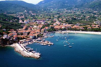 Isola d'Elba campione di raccolta di carta e cartone