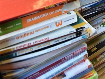 Libri di testo, meglio la carta anche per i millennials