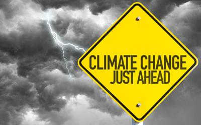 Dimezzare le emissioni di CO2 non basterà