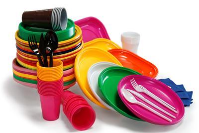 L'Ue dichiara guerra alla plastica usa e getta
