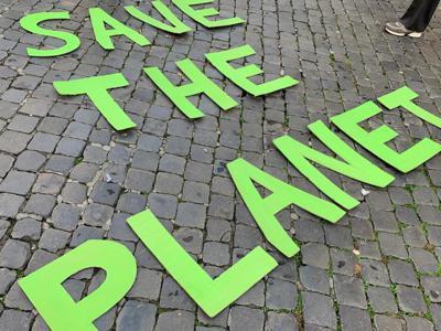 Oltre 9 italiani su 10 vogliono smettere di usare bottiglie di plastica