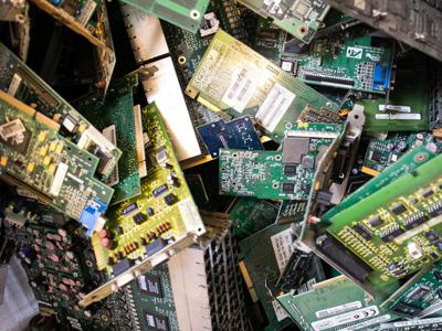 eWaste, nuove tecnologie per il recupero della plastica